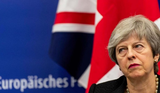 Theresa May seeks Brexit extension
